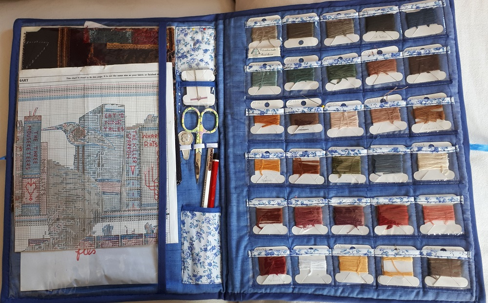 Pochette bleue terminée (intérieur)