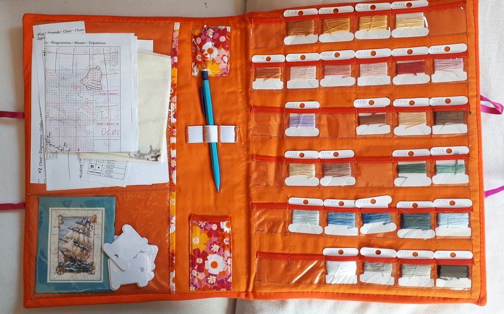 Pochette orange terminée (intérieur)